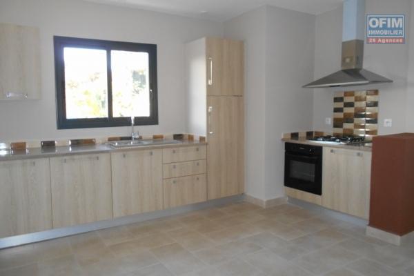 OFIM met en location des appartements T5 de standing fraîchement construits dans une résidence en quartier calme et sécurisé 24/24 avec une vue panoramique.