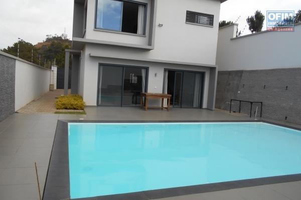 A louer une villa F5 avec piscine à Ambohimangakely Antananarivo