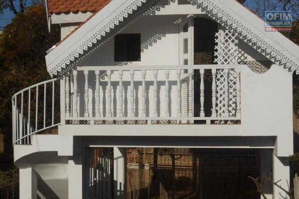 A louer un joli studio meublé à Ankerana Antananarivo