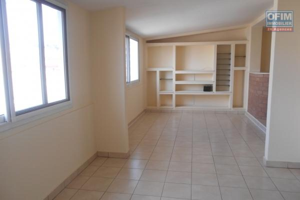 A louer un appartement de type T5 à usage habitation ou professionnel à Tsaralalana Antananarivo