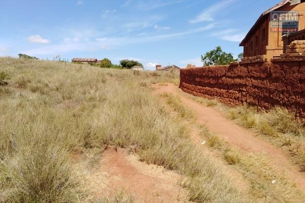 A vendre, un terrain de 6720 m2 à Kianjamalaza Ambatomirahavavy- Antananarivo