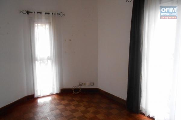 A louer un local professionnel de 75m2 à Analamahitsy Antananarivo