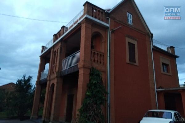 A louer une maison traditionnelle F4 à Ilafy Antananarivo