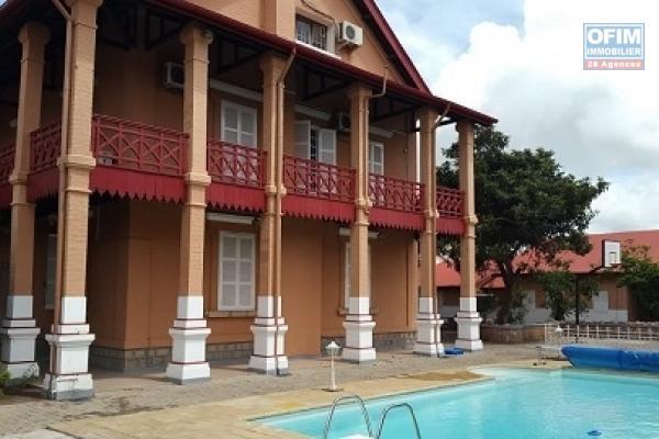 location maison villa antananarivo tananarive a louer une r sidence prestigieuse. Black Bedroom Furniture Sets. Home Design Ideas
