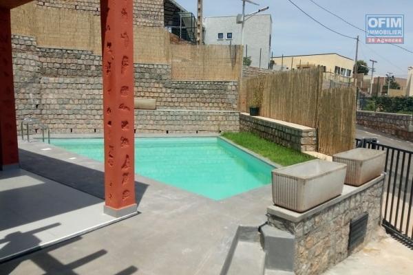 A louer une villa neuve F4 avec piscine dans une résidence à Ambatobe Antananarivo