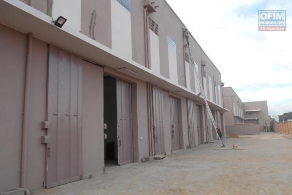 Entrepôt de 500m2 à Anosizato Antananarivo