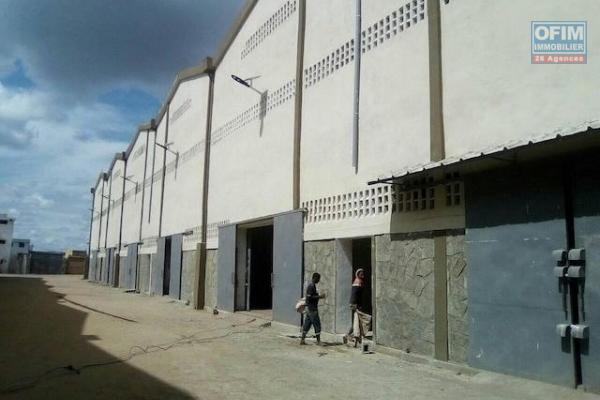 A louer un entrepôt de 600m2 dans une zone industrielle à Tanjombato Antananarivo