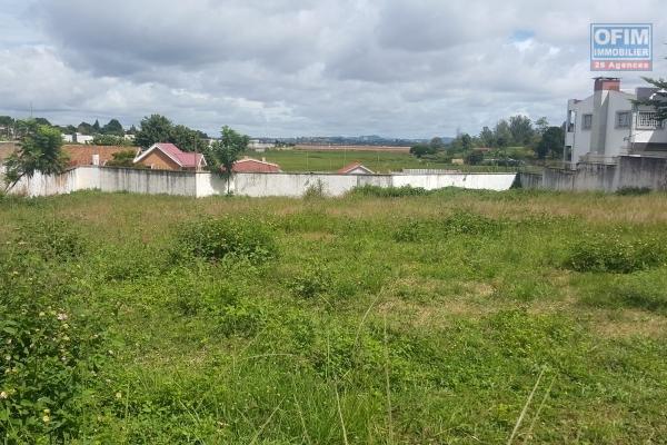 OFIM offre à la vente un beau terrain de 1 350m2 dans le lotissement Bonnet Ivandry