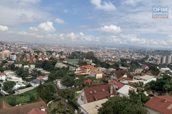 A louer des appartements T4 en duplex de haut standing à Andrononobe Antananarivo