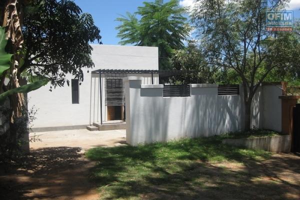 A louer une jolie villa de type F3 dans un endroit calme à Morondava Ambohibao