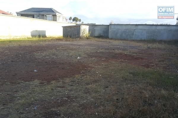 A vendre, affaire à saisir terrain de 126 000m² à Merkasinina