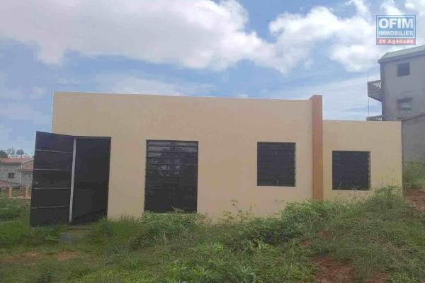 Une villa basse F2 avec possibilité d'agrandissement dans un quartier résidentiel à Imerintsiatosika