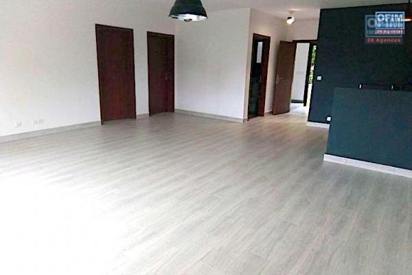 A vendre dans une résidence sécurisé appartement T4 à Ambatobe à proximité   Leader price  et LFT