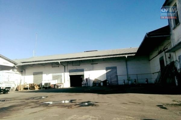Un entrepôt de 750m2 dans la zona forello Tanjombato