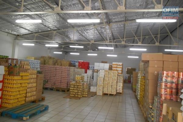 Un entrepôt de 492m2 à Ankorondrano