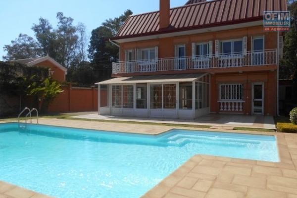 Une villa F5 avec piscine Androhibe