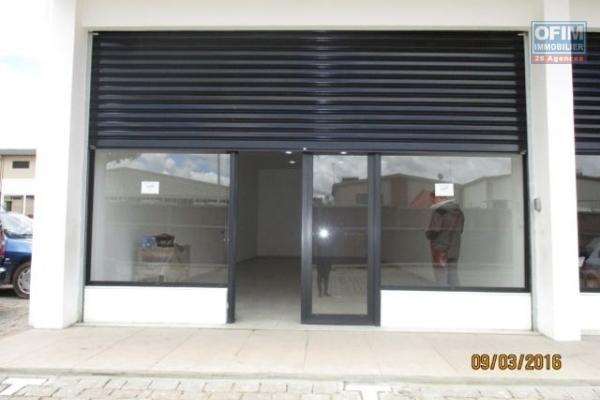 A louer villa F9 proche centre ville idéal bureau ou activité commerciale Tananarive