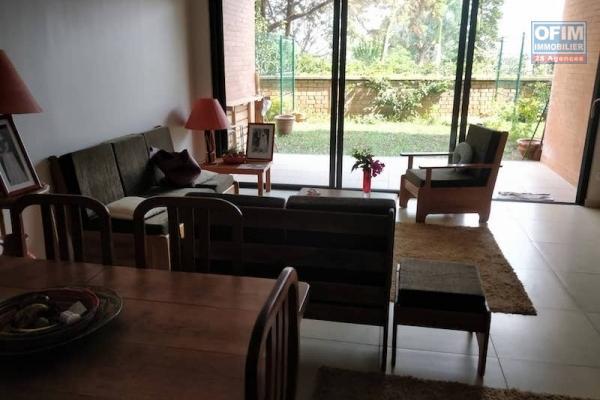A vendre appartement T3 sécurisé plein centre ville Mahamasina