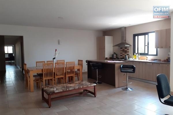 A vendre un appartement T3 de haut standing en duplex,  dans le quartier résidentiel d'Ivandry- Antananarivo