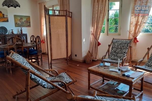 A vendre, une villa basse F5 sur 1900 m2 de terrain à Ambatomaro- Antananarivo
