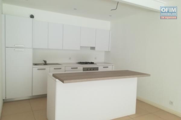 A louer un grand appartement T4 semi meublé à Ivandry Antananarivo