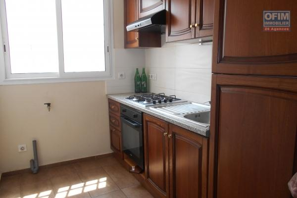 Un appartement T2 sécurisé à Amparibe