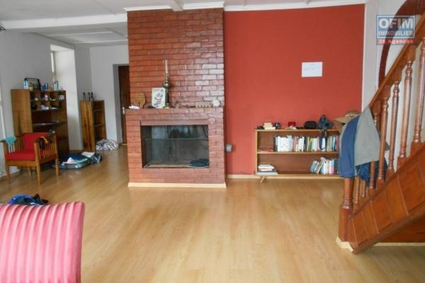 Un grand appartement T4 meublé en duplex à Isoraka