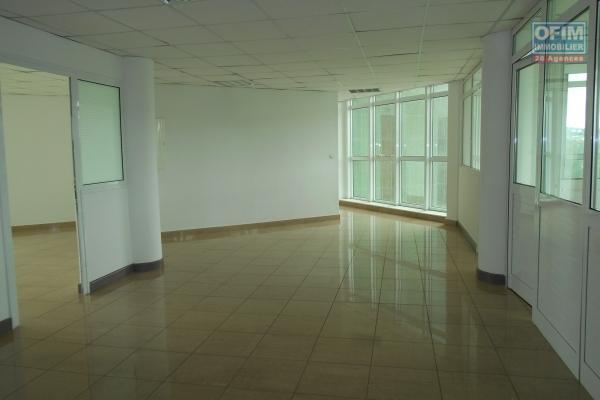 Des bureaux de 90m2, 125m2, 144m2  à Ivandry