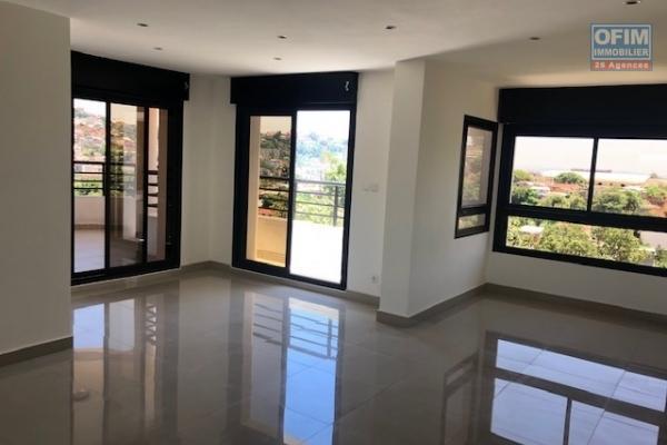 A vendre appartement neuf T3  dans le quartier calme de Tsiadana
