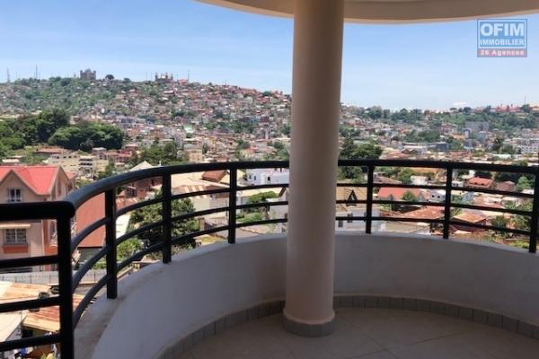 A vendre bel  appartement T5 neuf  avec une très belle vue à Tsiadana proche du  centre viile .