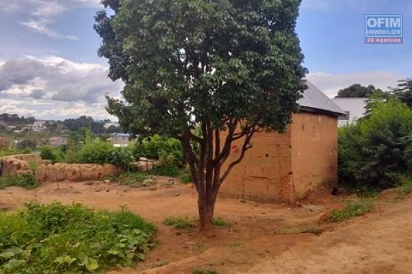 vente terrain de 1674m2 à Antsampandrano Ilafy