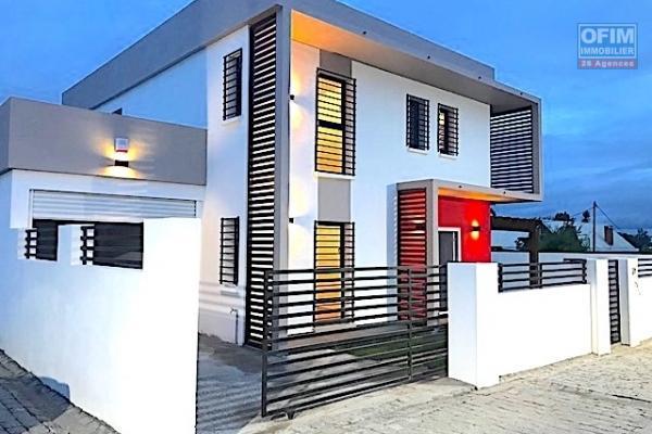A vendre villa  F5 neuve ultra contemporain  avec piscine dans une résidence sécurisée à Ivato