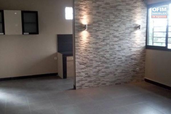 A louer un grand appartement à usage bureau à Isoraka Antananarivo