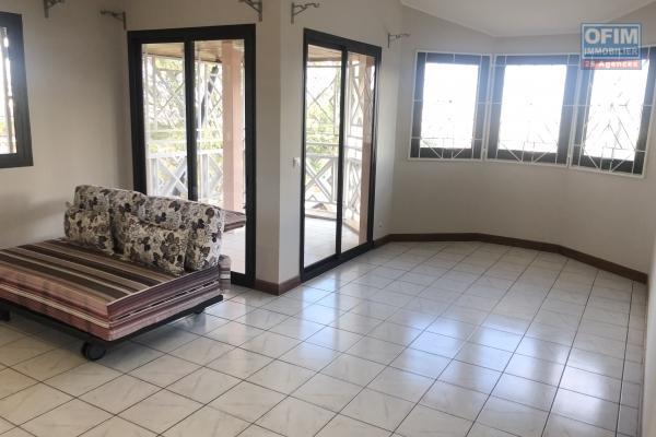 A vendre appartement T2 hyper bien placé à Ambatobe