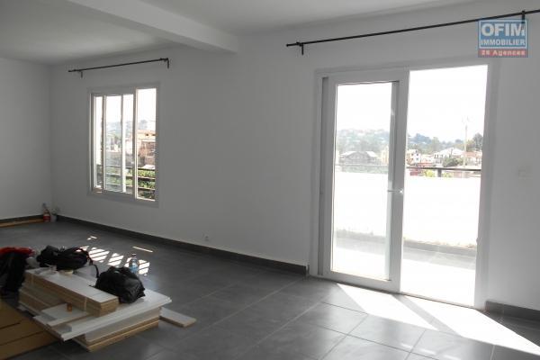 OFIM met en location un appatement T3 semi meublé à Ankazomanga