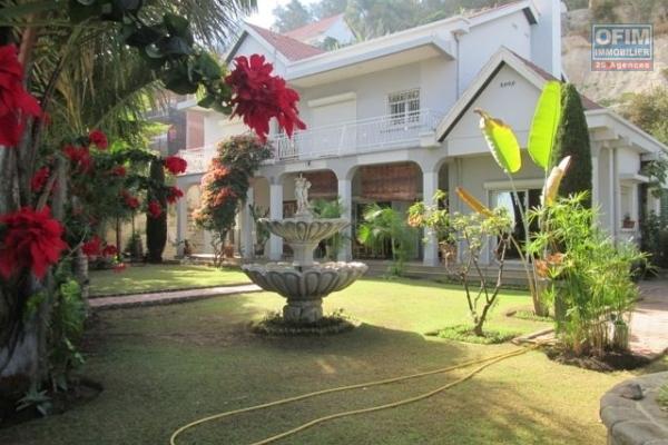 A louer superbe villa F5 très belle vue sur la Haute Ville Tananarive.