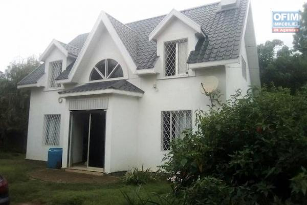 Une villa F5 à étage à Ambatobe