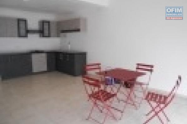 A louer un appartement de standing type T3 dans un quartier résidentiel et sécurisé avec piscine à Marais Masay