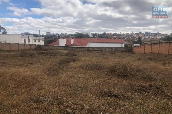 A Vendre magnifique terrain clôturé de 3948 m2 sur Ambohibao Antehiroka