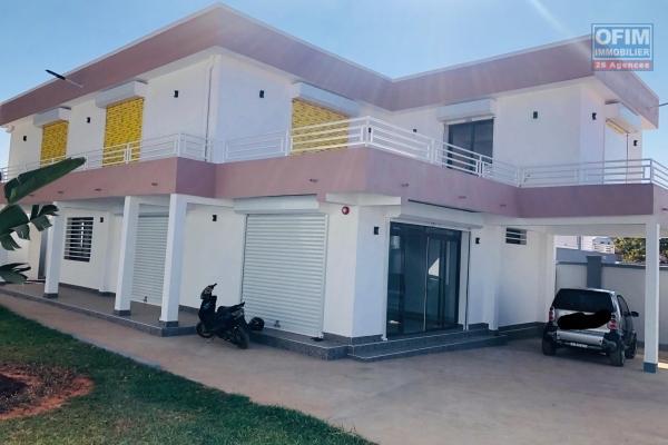 A vendre villa F4 renovée à Androhibé Ivandry résidentiel