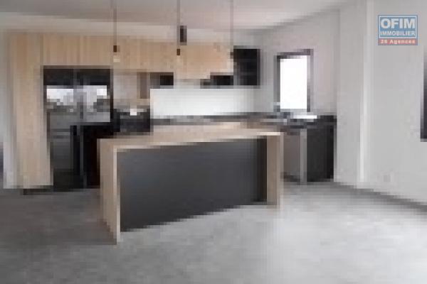 Des appartements neufs T4 avec piscine et salle de sport à Ivandry