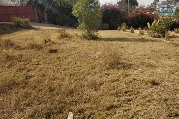 Terrain de 1948m2 en vente a Ambohijanahary antehiroka