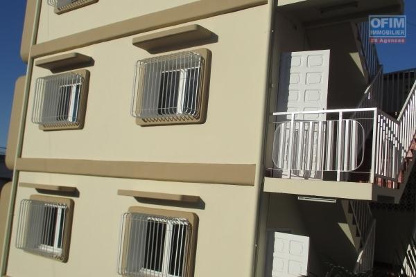 Location un maison T4 avec garage fermé à ankadivato