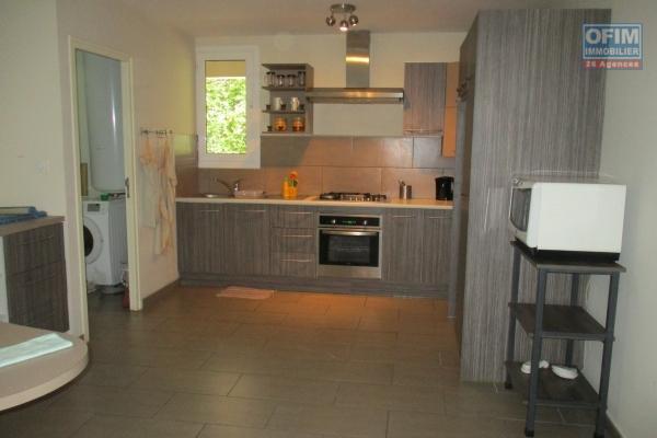 location appartement T4 meublé et équipé  dans une résidence bien sécurisée située à 2 pas du lycée Français àAmbatobe