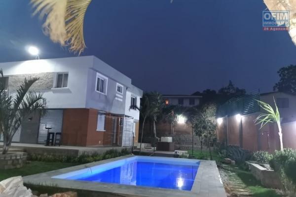 Location maison neuve F6 avec piscine à Ambatobe Nanisana