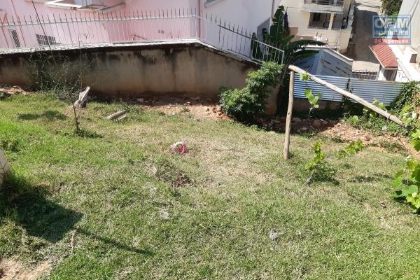 Terrain de 311 m2 en plein centre ville dans le quartier très prisé de Cité Planton Ambaranjana- Antananarivo