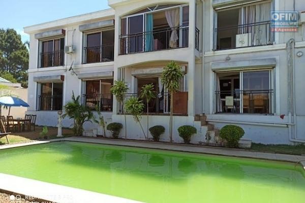 A louer une splendide villa F10 avec deux piscines  idéale pour chambres d'hôte à Mamory Ivato