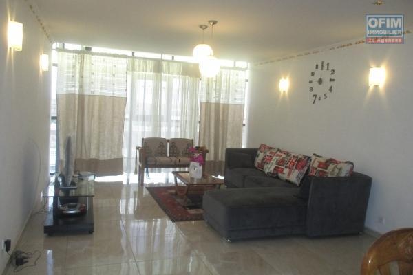 Des appartements T4 meublés avec parking à Ankadimabahoaka