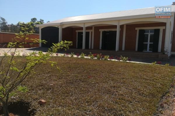 Une villa neuve F4 à Ambohijanaka