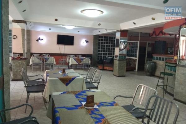 Des locaux commercial ou professionnel avec parking à saisir à Behoririka